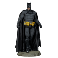 Batman - Batman Legendary Scale Statue