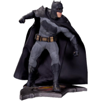 Batman vs Superman: Dawn of Justice - Batman 14 Inch Statue